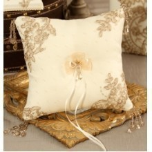 BELLA DONNA IVORY RING PILLOW Thumbnail