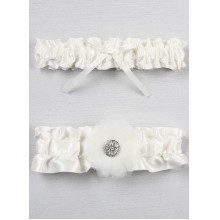 CHLOE WHITE BRIDAL GARTER SET Thumbnail