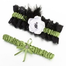BOLD & FRESH BRIDAL GARTER SET Thumbnail
