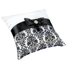 BLACK DAMASK RING PILLOW Thumbnail