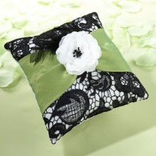 BOLD & FRESH RING PILLOW Thumbnail